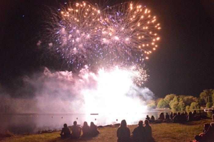 Feu D Artifice Lac De Tremelin 14 Juillet 2018 Unidivers