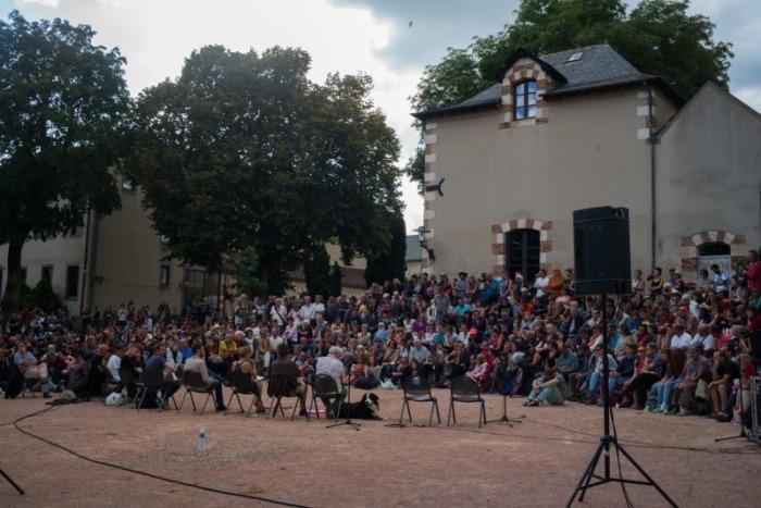 Parlement de rue théâtre de l'unité