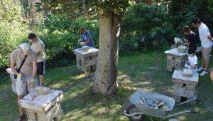 Atelier d'initiation à la taille de pierre sur le site de la carrière Auboin à Châtillon Treuil de la carrière Auboin