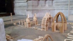 Atelier pour enfants de kaplas et de modèles en bois Cathédrale Saint-Pierre