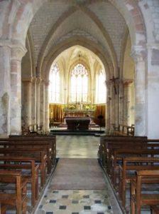 Découvrez une architecture romane des XIIe et XIIIe siècles Eglise Saint-Pierre-et-Saint-Paul