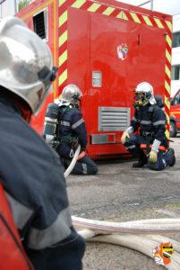 Démonstration d'extinction de feu en milieu clos Centre d'incendie et de secours de Troyes