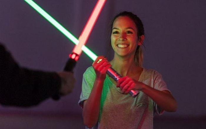 Démonstration en nocturne de combat au sabre laser Palais des rois de Majorque