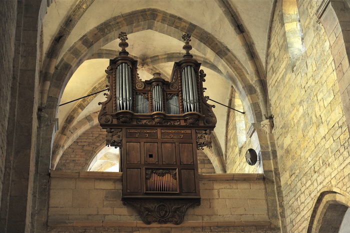 Visite de l'orgue historique de l'Église Saint-Hilaire de Pesmes Église de Pesmes