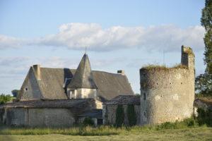 Fonvérines autrefois : balade à la découverte de son château Village de Fonvérines