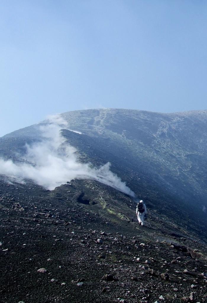 Imager et comprendre la plomberie des volcans Village des sciences au CNRS d'Orléans (45)