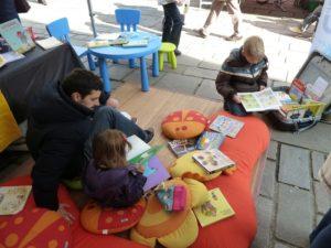 Lectures sur le marché Place du Vieux Marché
