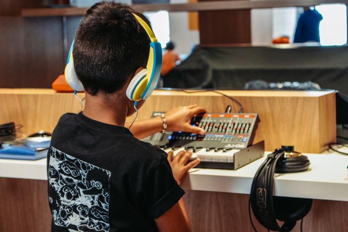 Longevity Kids (7-11 ans) : Stage d'été / Musique Electronique Le Shadok