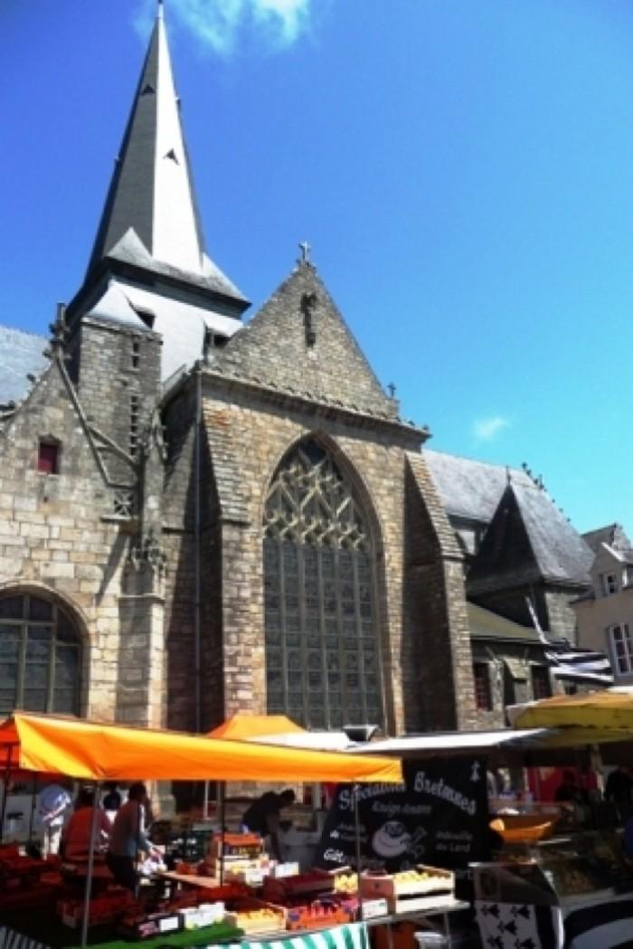 Marché de Guérande Place Saint-Aubin 44350 Guerande