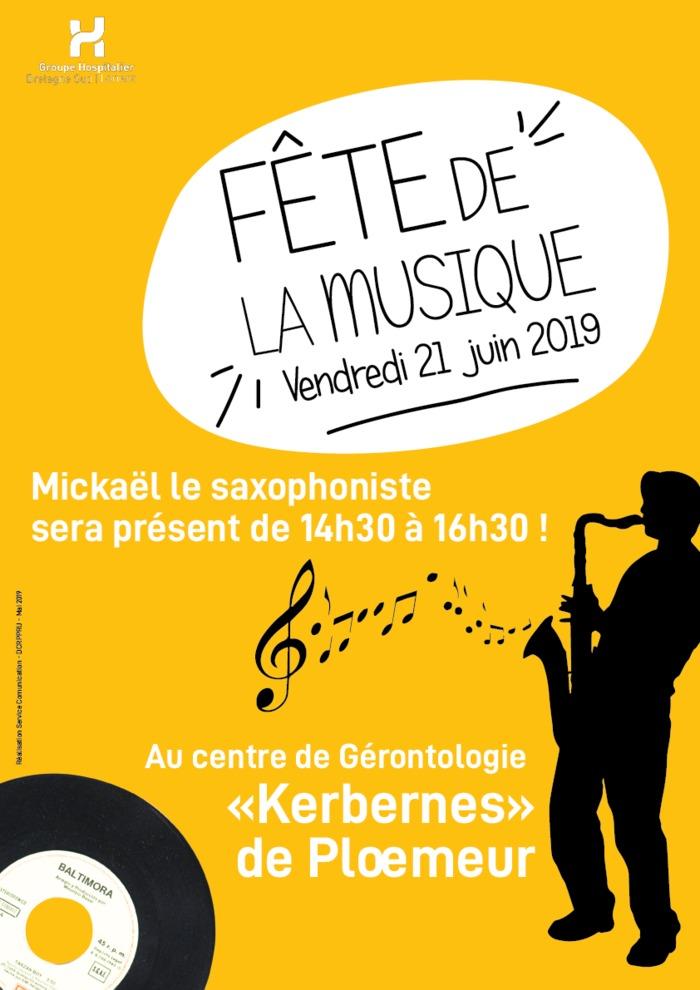 Mickael le saxophoniste Centre de Géronotologie de Kerkernès