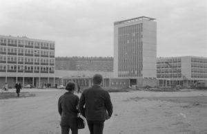 """Parcours guidé """"Du camp d'aviation à l'éco-campus  (1960-2018)"""" Université Paris Nanterre"""