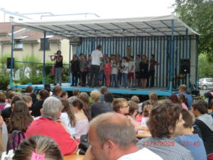 Plateau musiques chants danses et kermesse de l'école Dodeman Parc François Mitterrand