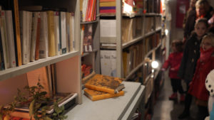 Spectacle : Plus loin : bibliothèque magique et soirée lumineuse... Médiathèque Aveline