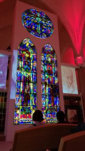Vendée Vitrail : Partez en famille à la découverte de l'art du vitrail ! Vendée Vitrail (église St-Hilaire)