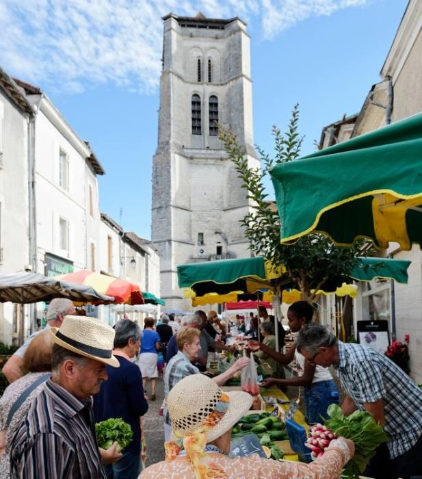 Marché de Saint-Astier Saint-Astier   2021-04-15