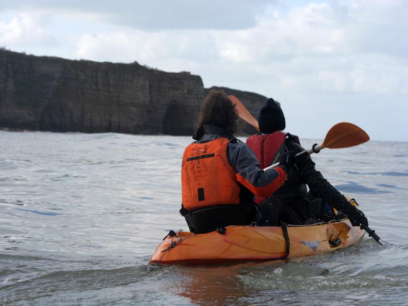 Balade en kayak vers les falaises d'Omaha Beach Vierville-sur-Mer