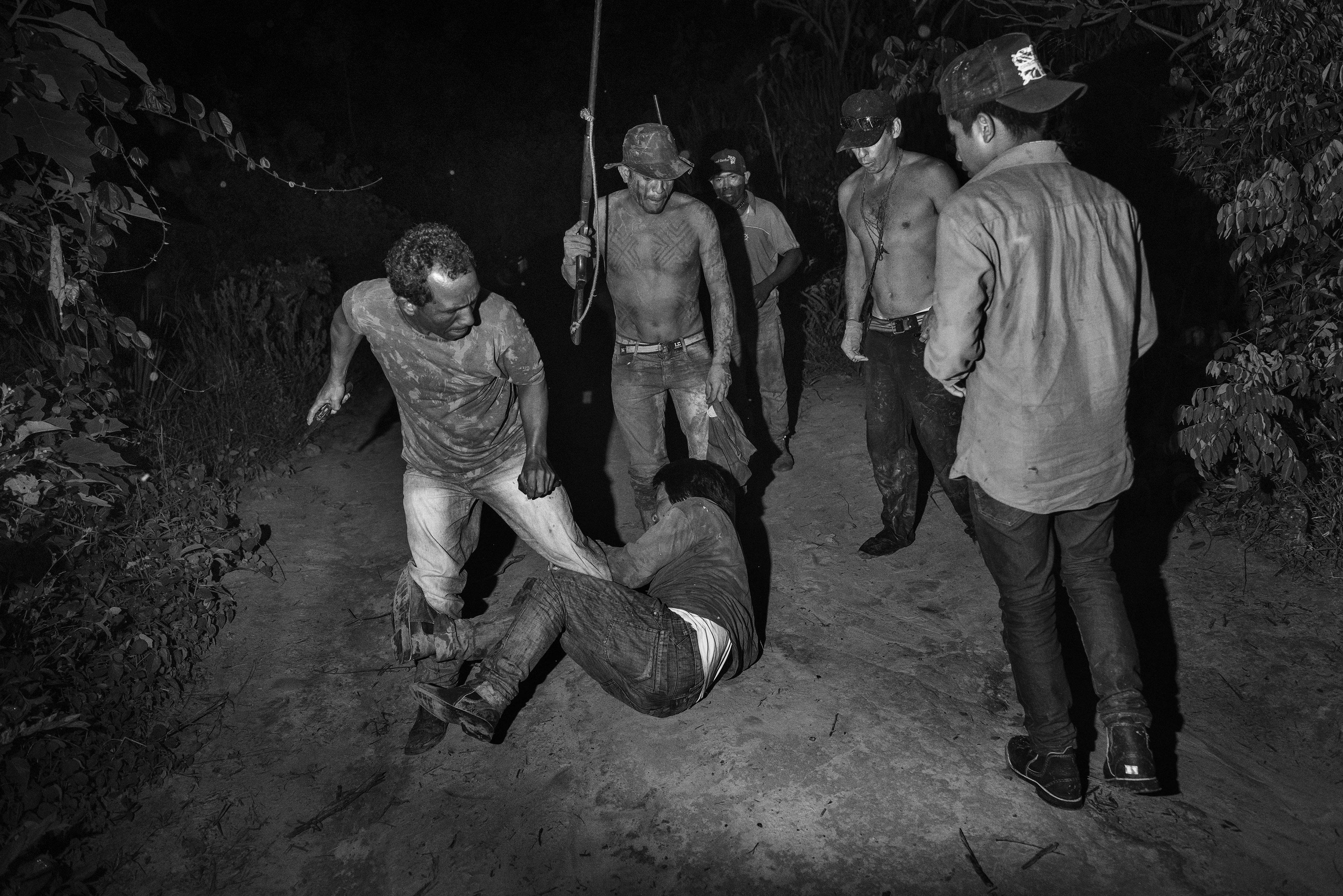 TOMMASO PROTTI : LE LAURÉAT DU PRIX CARMIGNAC DE PHOTO-JOURNALISME