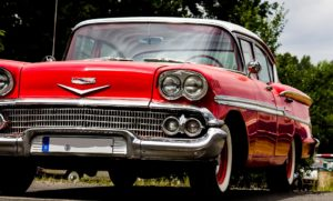 Rassemblement de voitures anciennes  Bellegarde