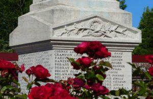 Arrêt sur le monument aux morts de Flixecourt Flixecourt   2021-08-19