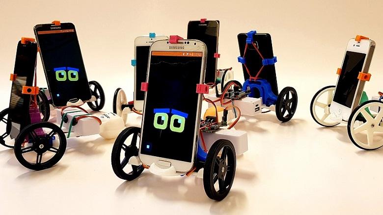 Fabrique un robot à partir d'un ancien smartphone Bibliothèque Václav Havel Paris