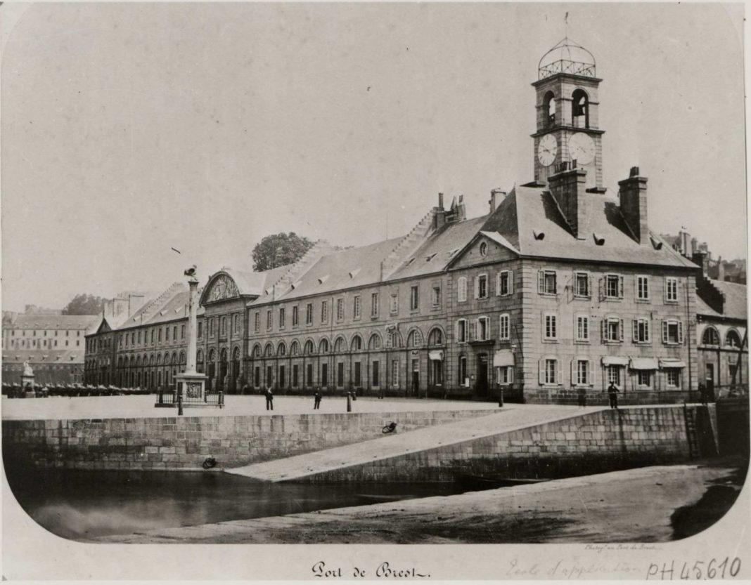 la consulaire canon d'Alger Brest