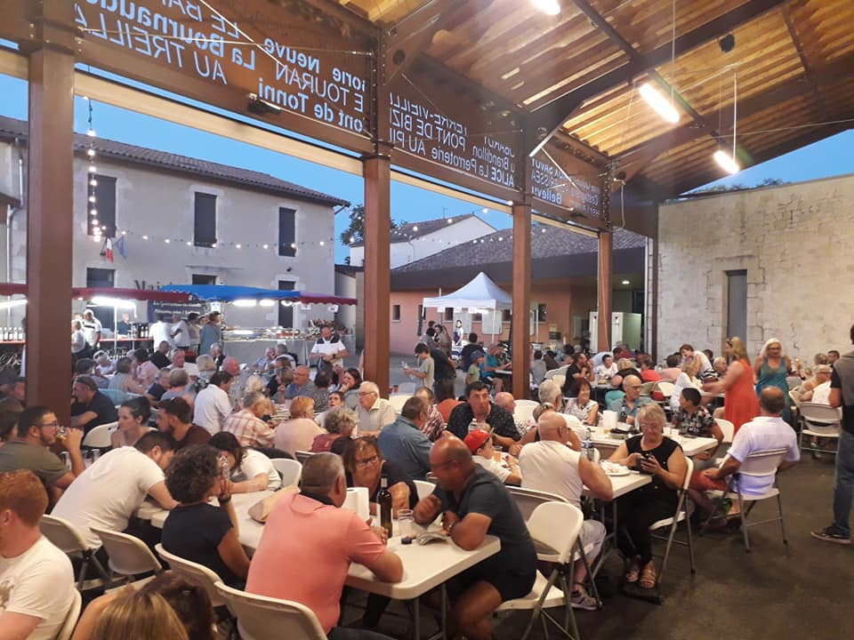 Marché nocturne à Saint Sernin de Duras Saint-Sernin