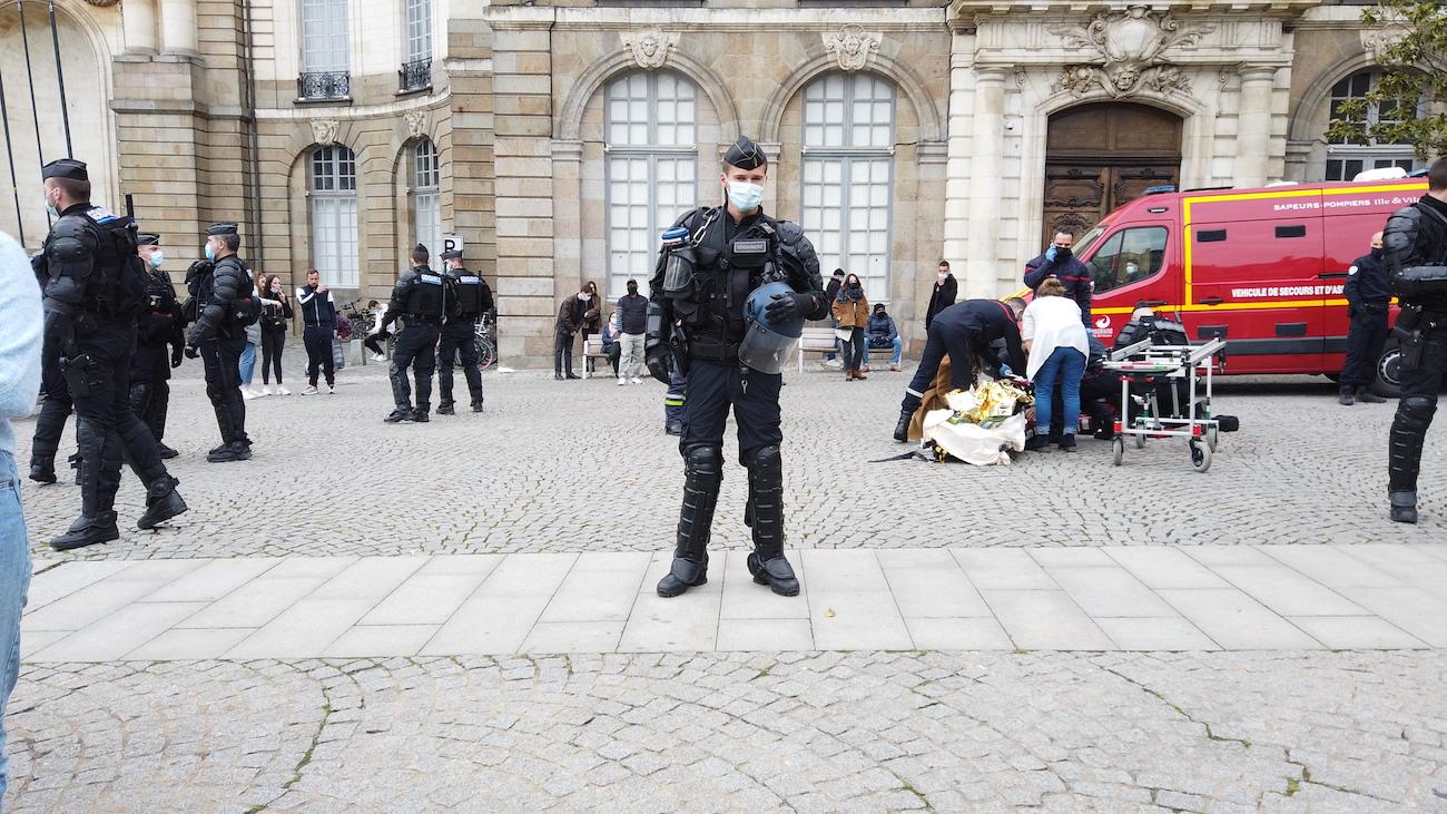 RENNES mairie bagarre
