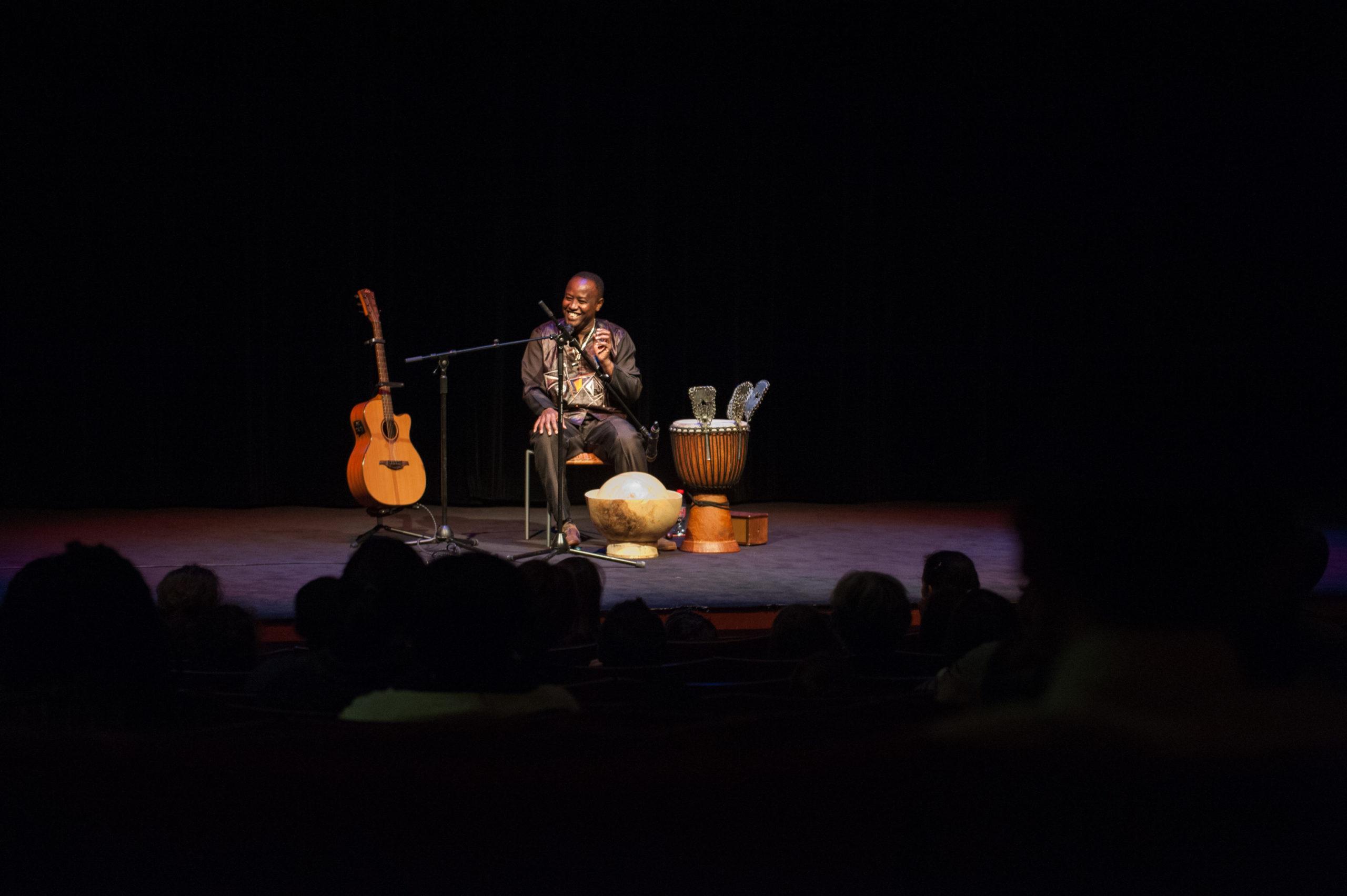 Souleymane Mbodj | Conte musical africain Bibliothèque L'Heure joyeuse Paris