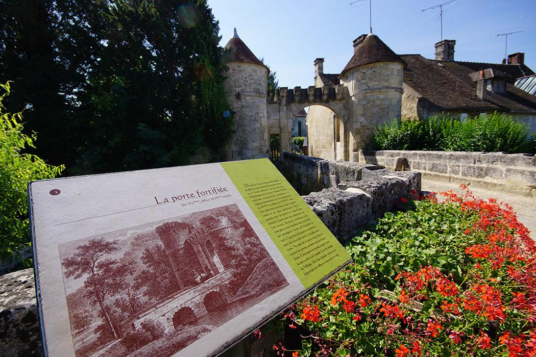 Abbaye - Forteresse de Saint Jean aux Bois Saint-Jean-aux-Bois