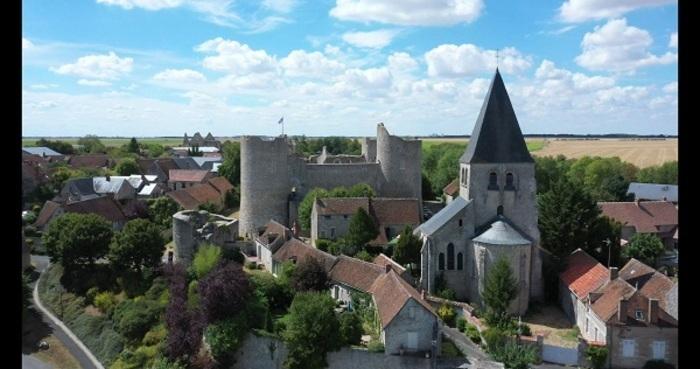 Au coeur de Yèvre-le-Chatel Yevre-la-ville
