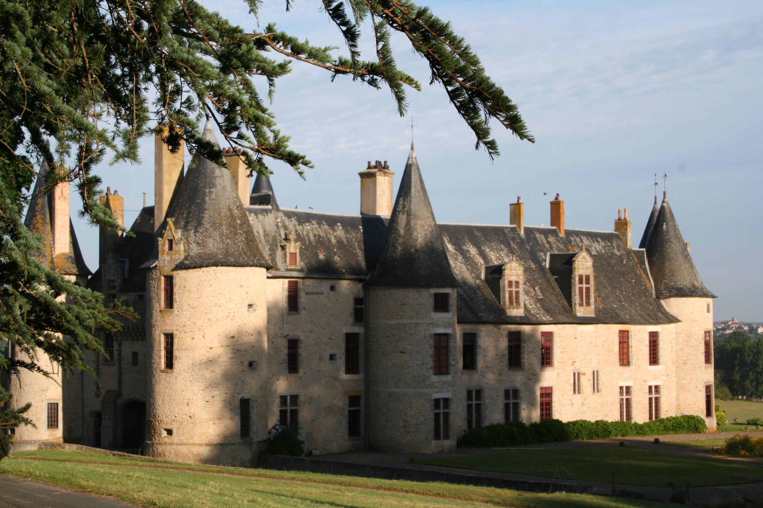 Château et jardin de la Roche-Faton Lhoumois