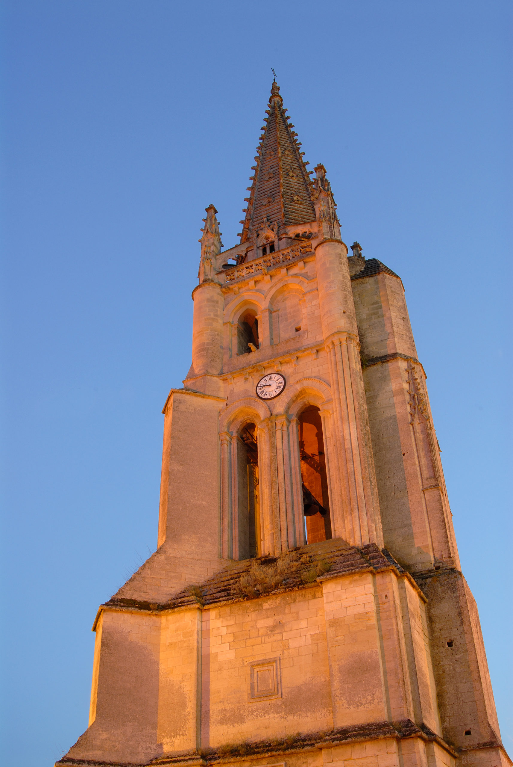 Clocher de l'église monolithe Saint-Émilion