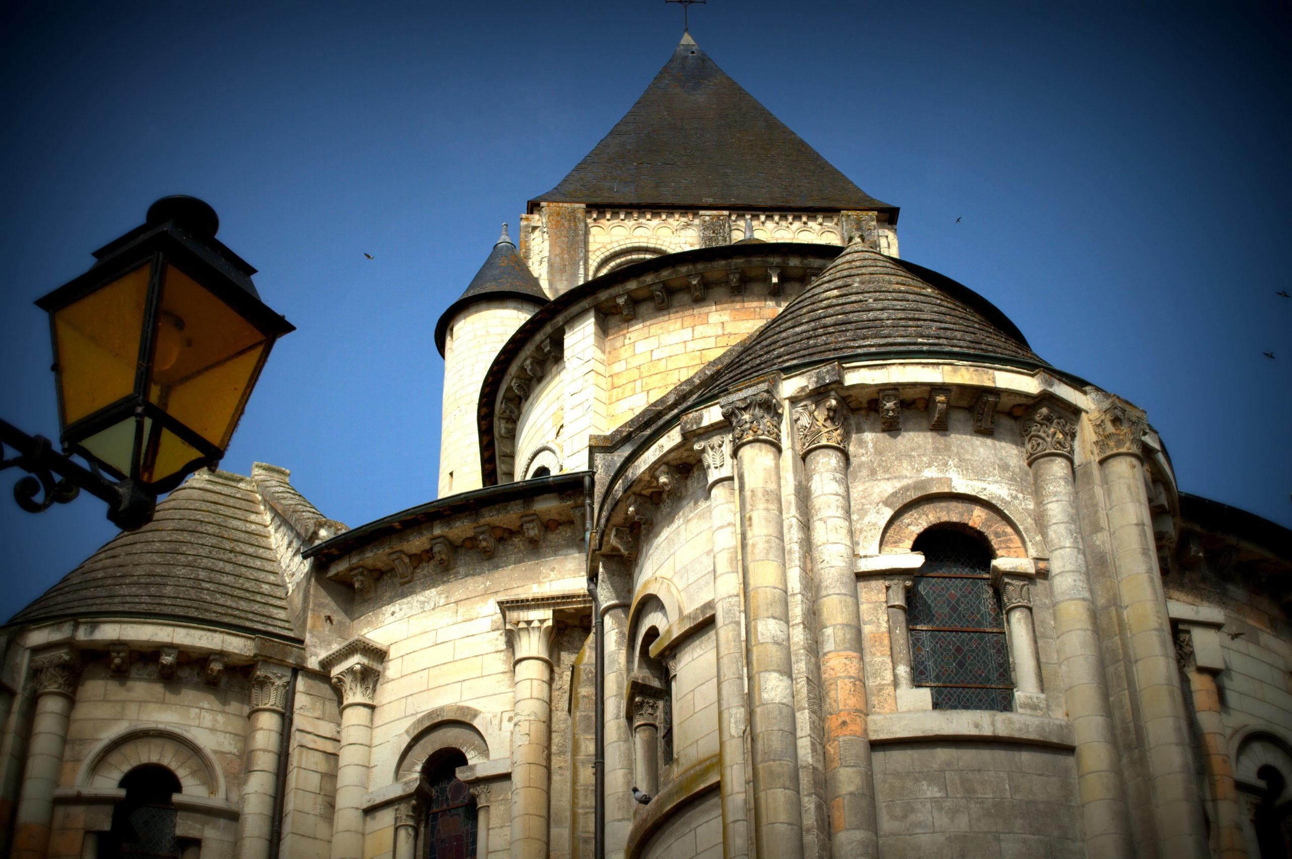 Collégiale et crypte avec fresques Saint-Aignan