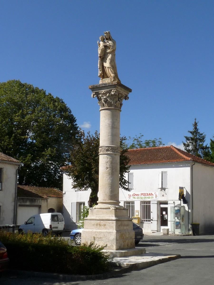 Colonne à la Vierge de Saint-Germain-d'Esteuil