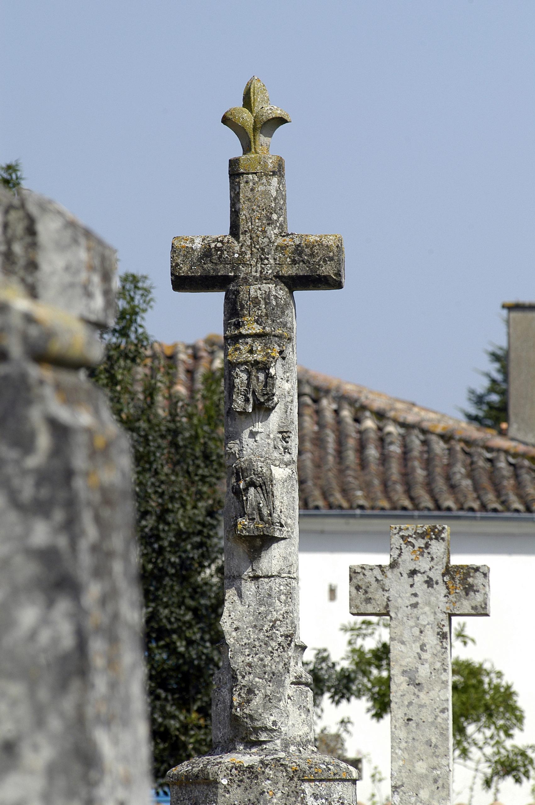 Croix hosannière d'Amuré Amuré