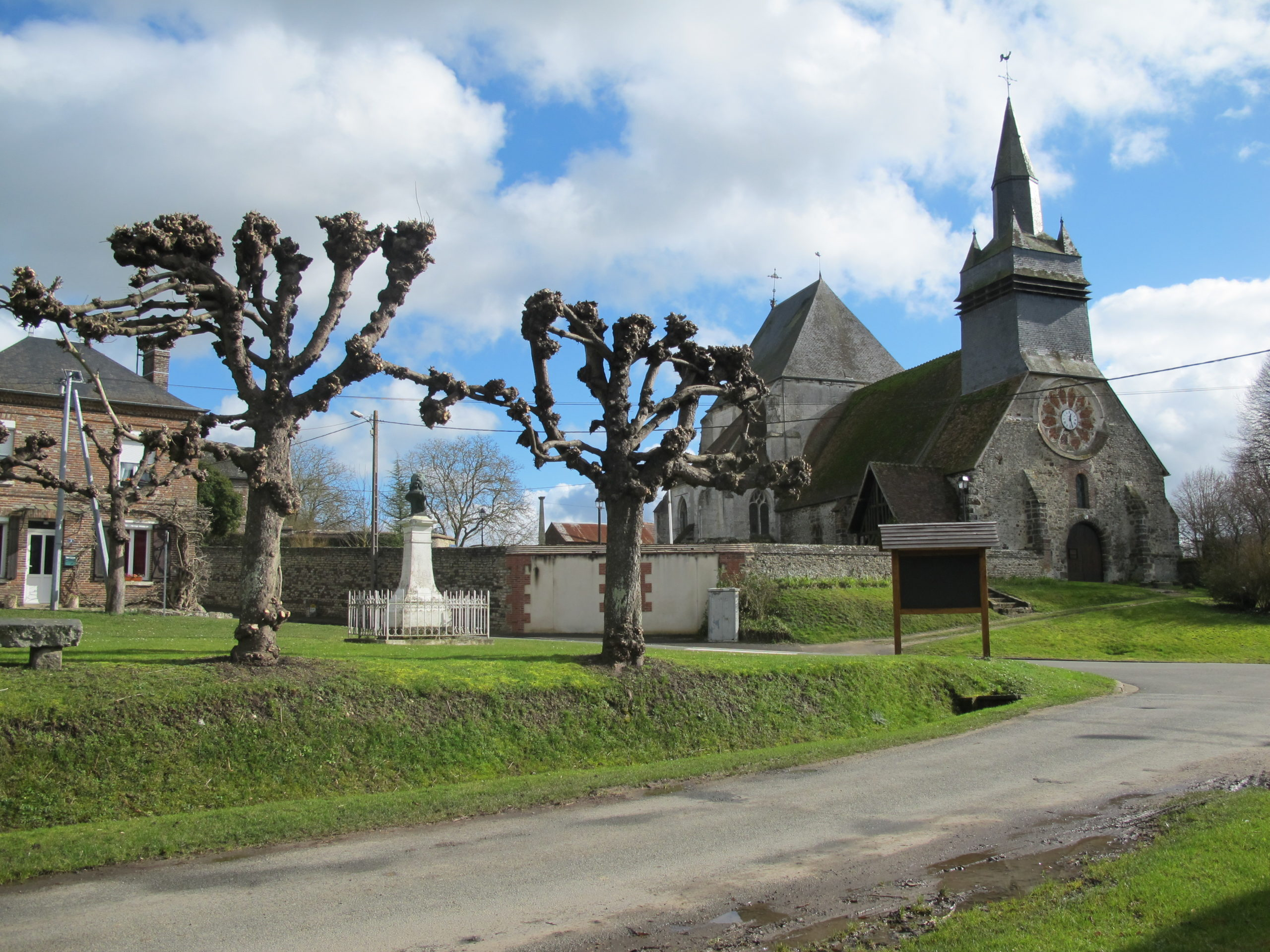 Eglise d'Hodenc en Bray Hodenc-en-Bray