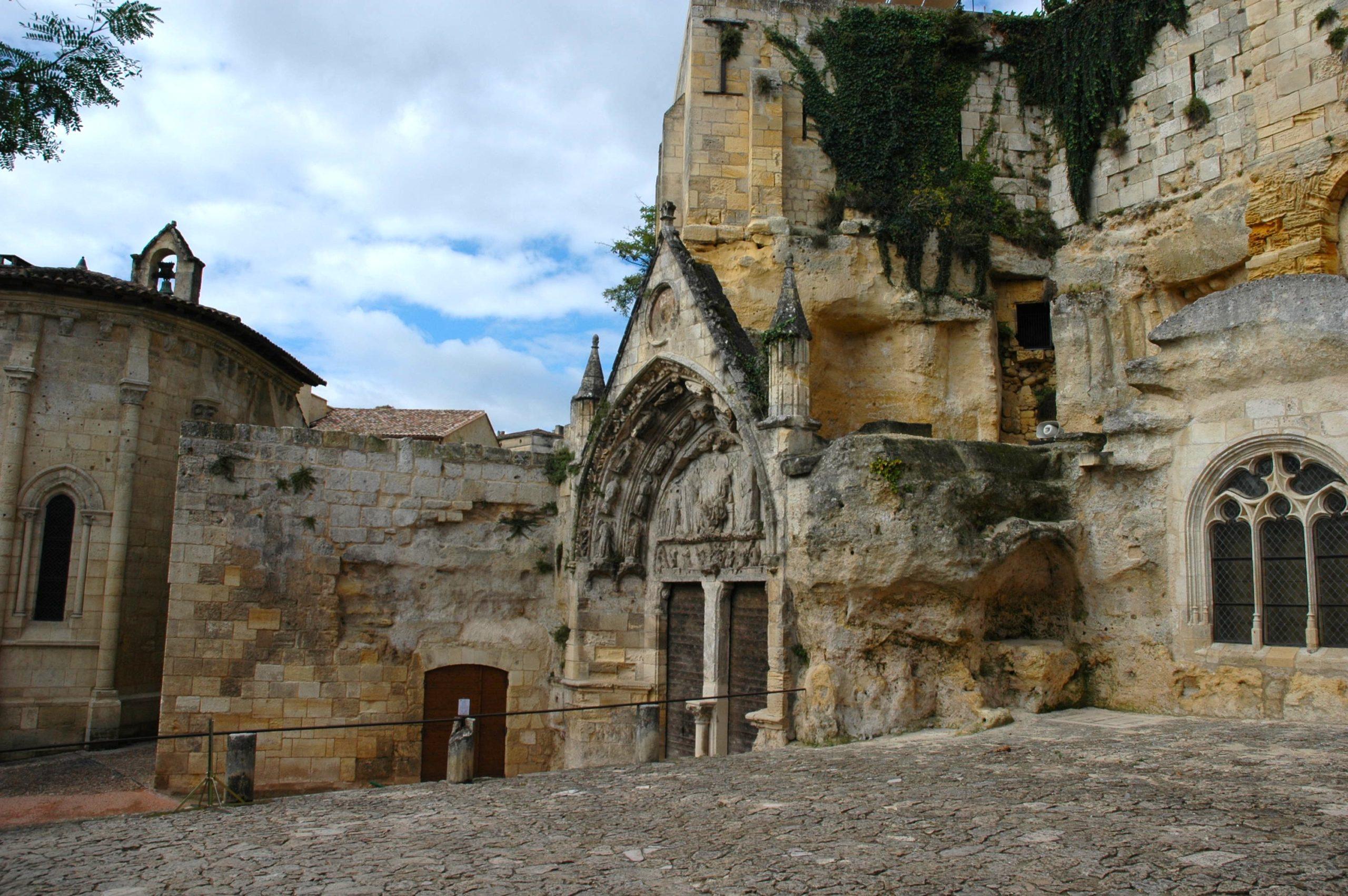 Eglise monolithe de Saint-Emilion Saint-Émilion