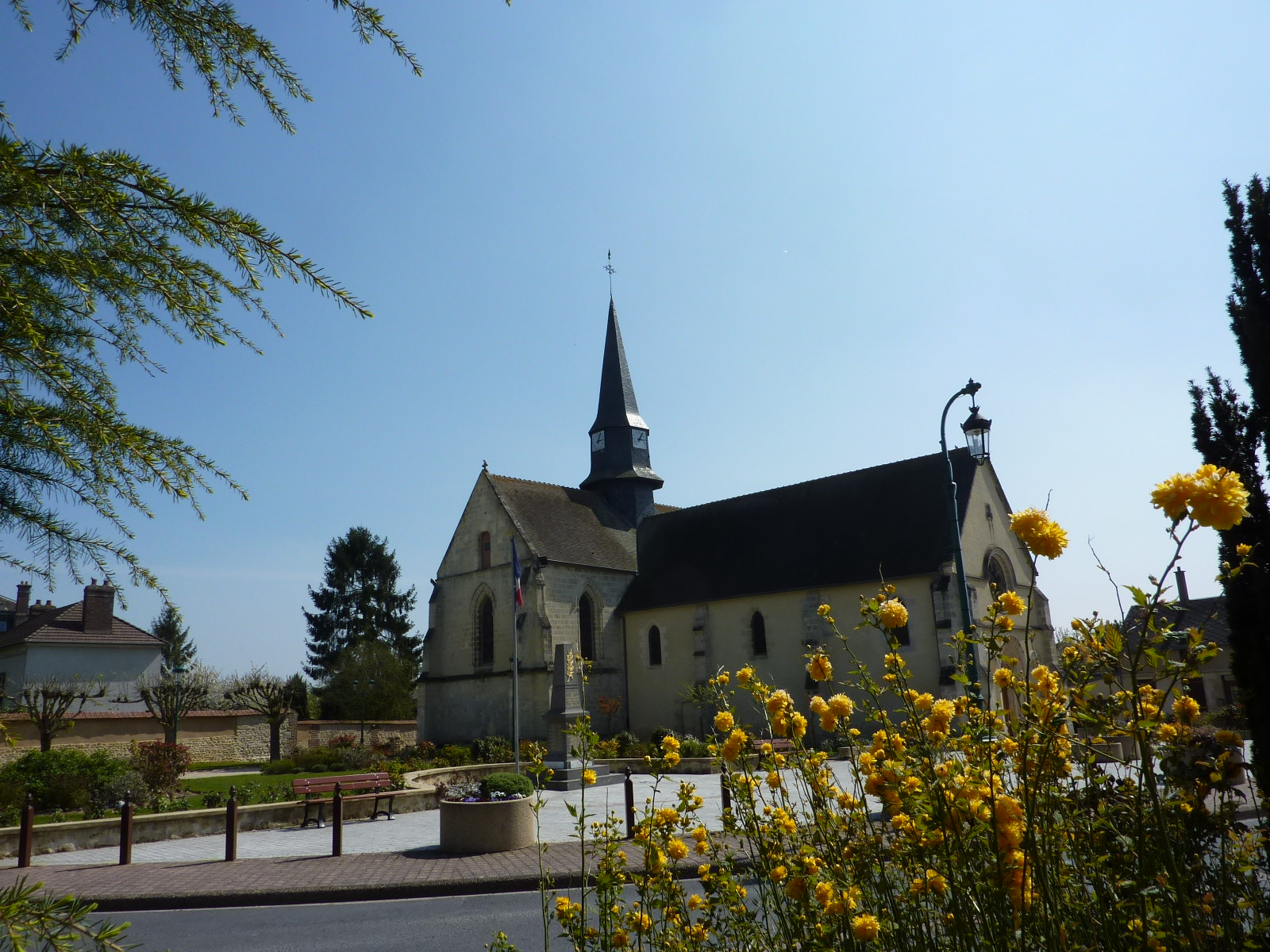 Eglise Notre-Dame de la Nativité Villeneuve-les-Sablons
