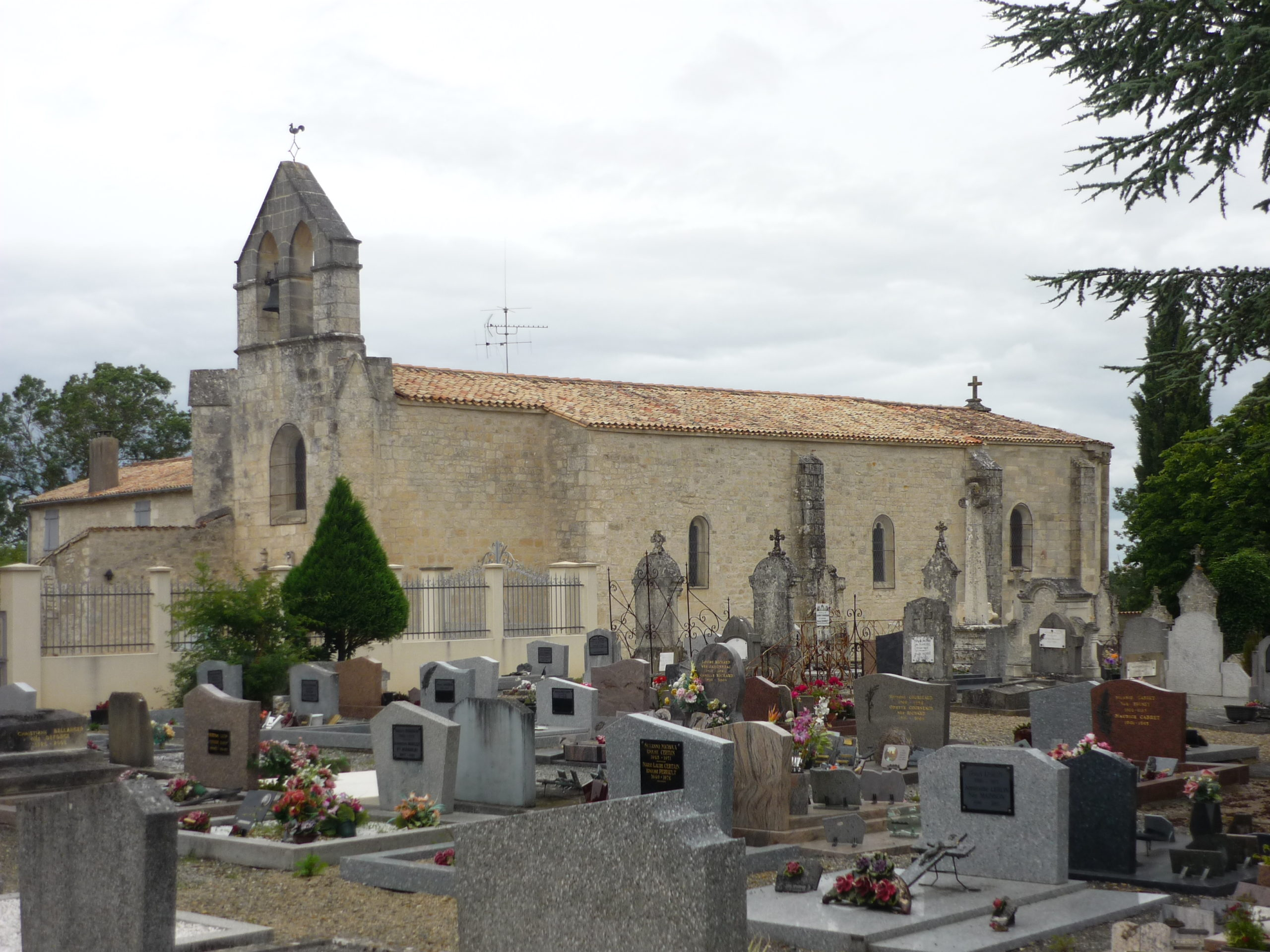Eglise Saint-Caprais à Bessines Bessines