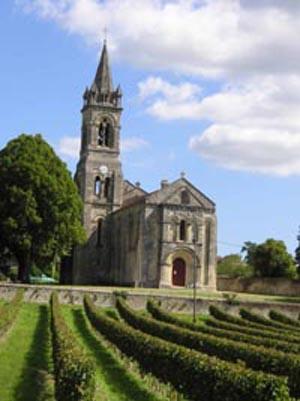 Façade de l'église Saint-Pierre de Loupiac