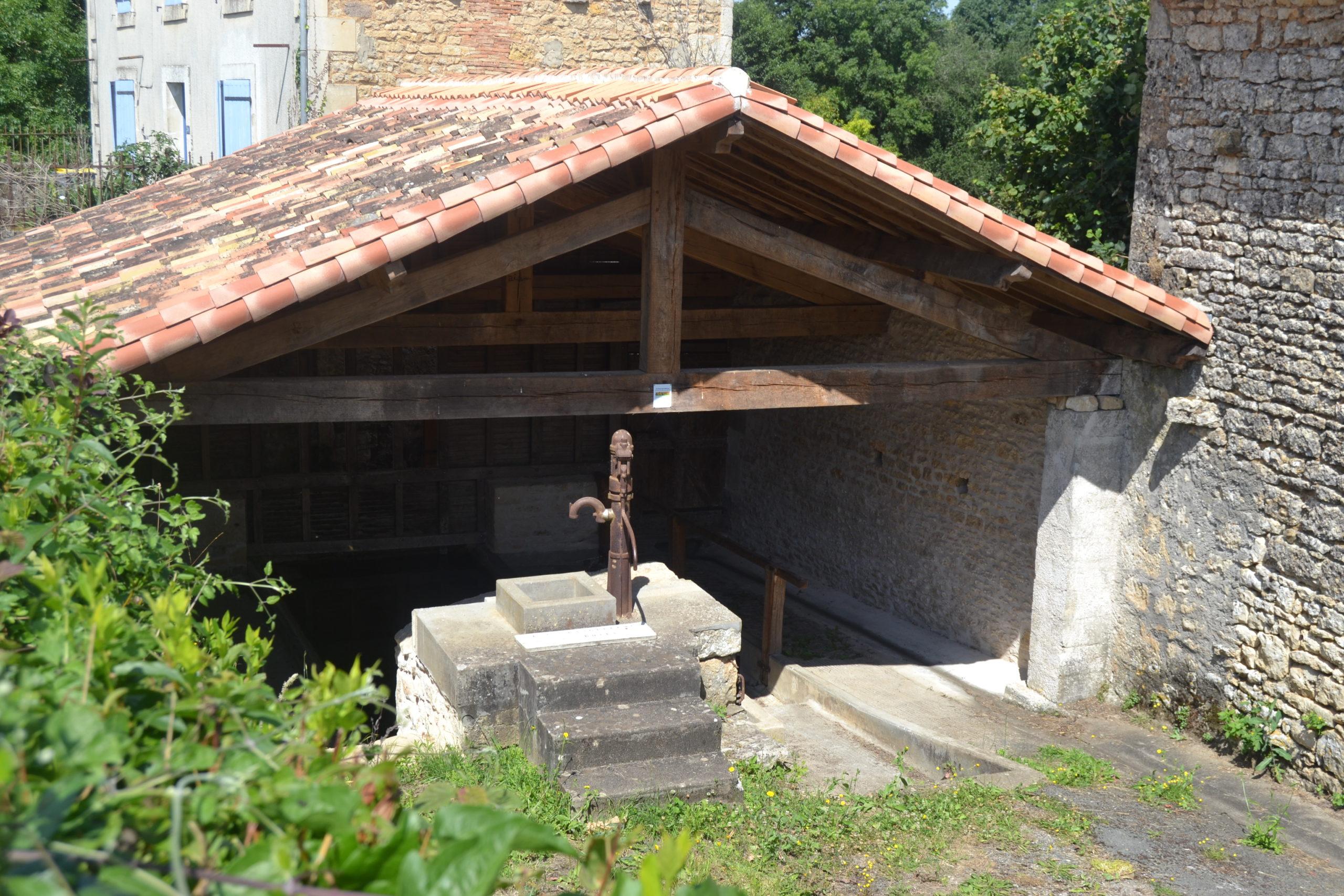 Le lavoir du Bourg