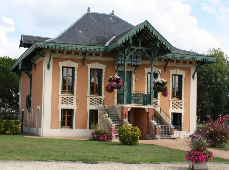 Médiathèque municipale Le Chalet Le Barp