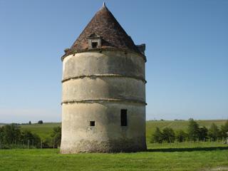 Pigeonnier du château Filhot