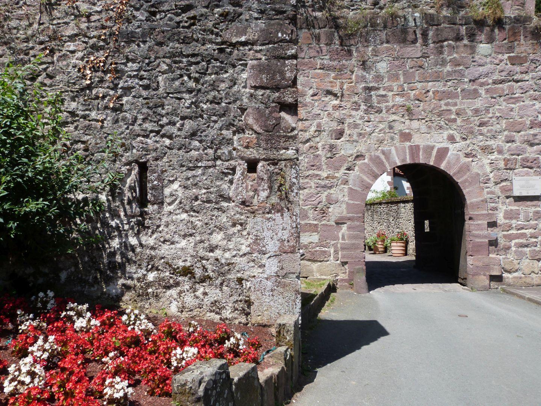Porte Saint-Jacques à Saint-Jean-Pied-de-Port Saint-Jean-Pied-de-Port