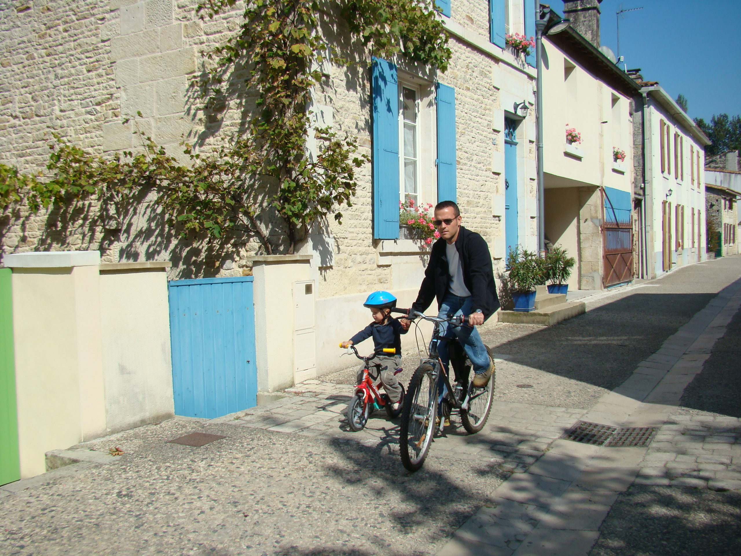 Sansais-La Garette et son village-rue Sansais