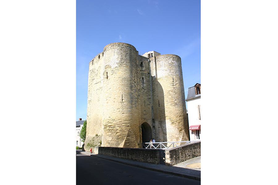Tour Porte au Prévost Thouars