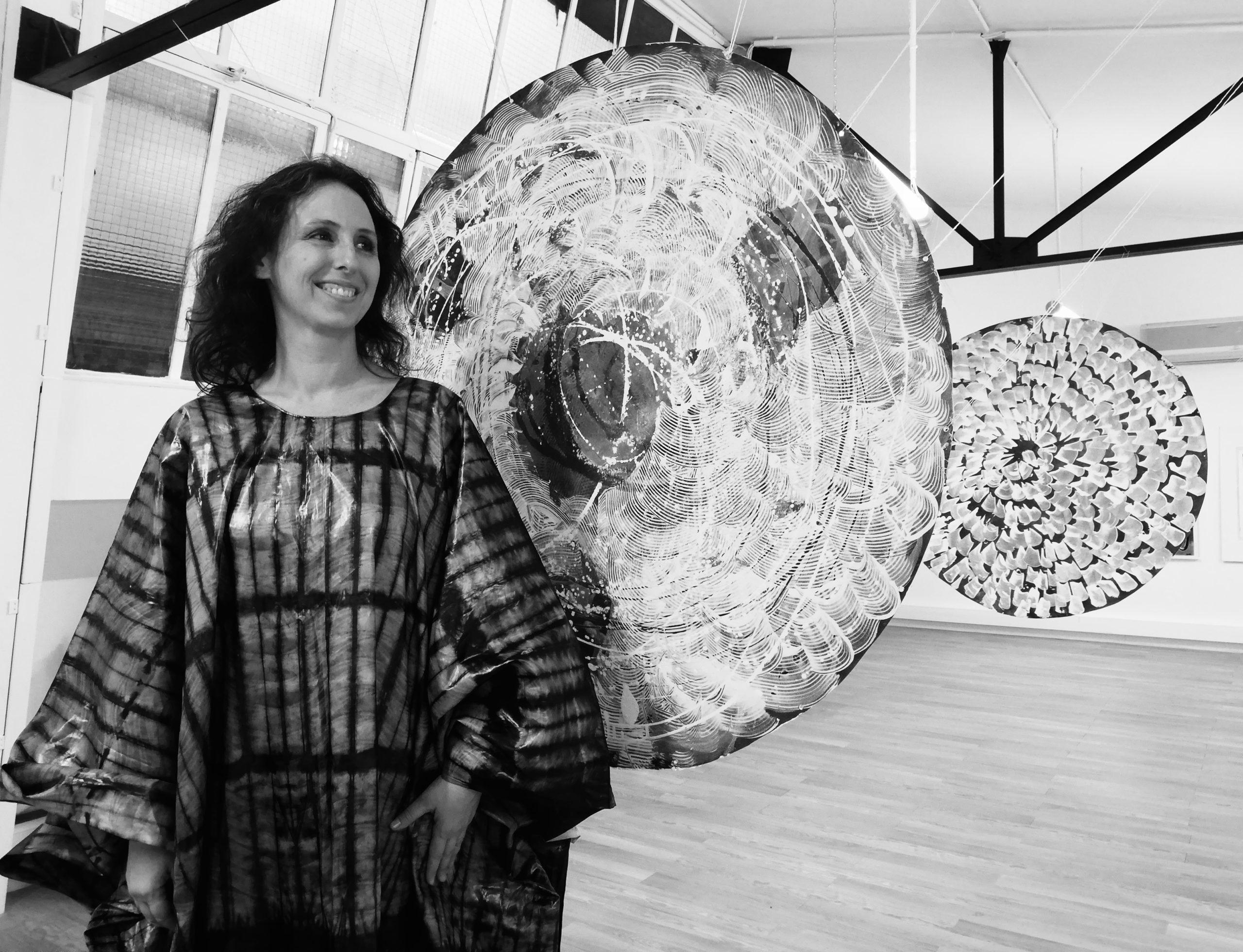 Blue dances - Danseuse et plasticienne Alexia Traoré au Yogart l'atelier Bergerac   2021-06-19