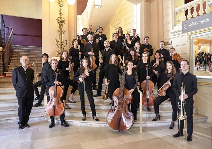 Musique baroque par l'Orchestre Les Métamorphoses à Vendôme Cloître de l'Abbaye de la Trinité de Vendôme