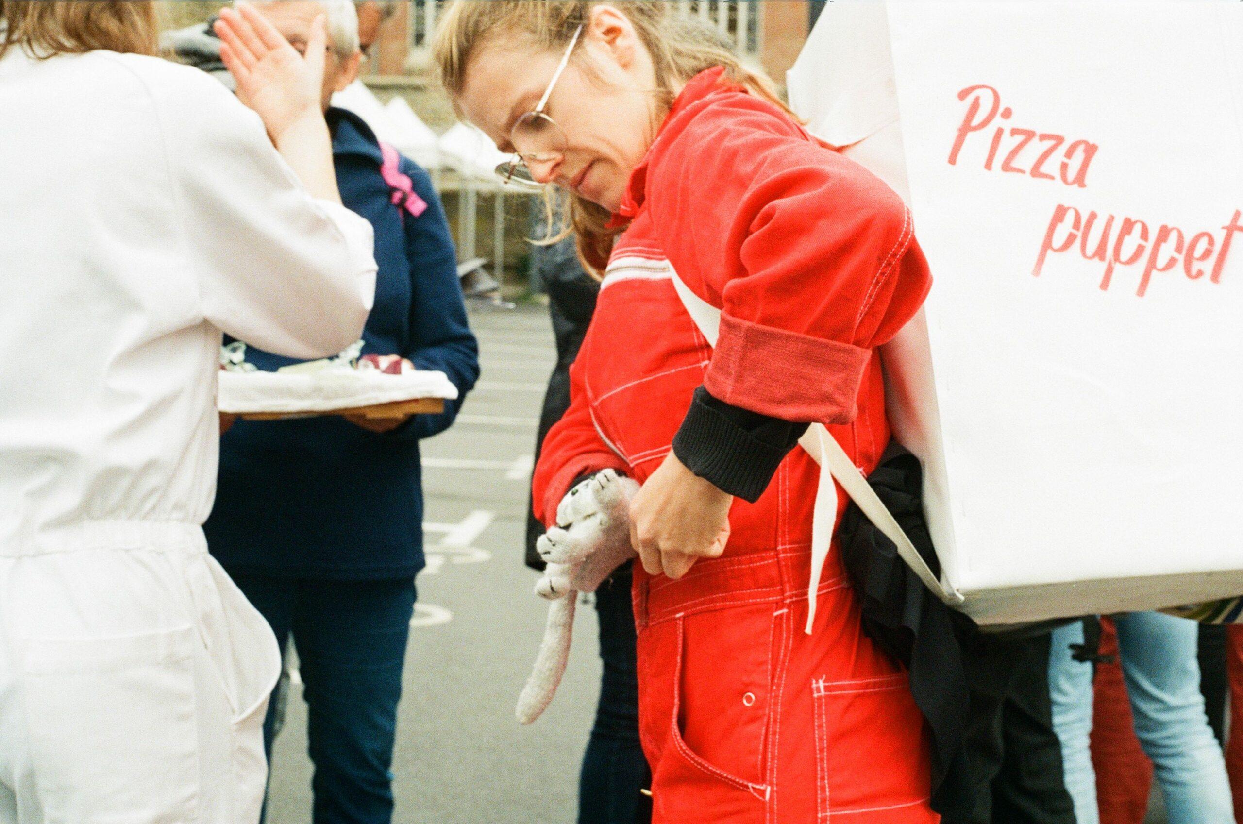 Pizza puppet ! Square du Docteur-Grancher Paris