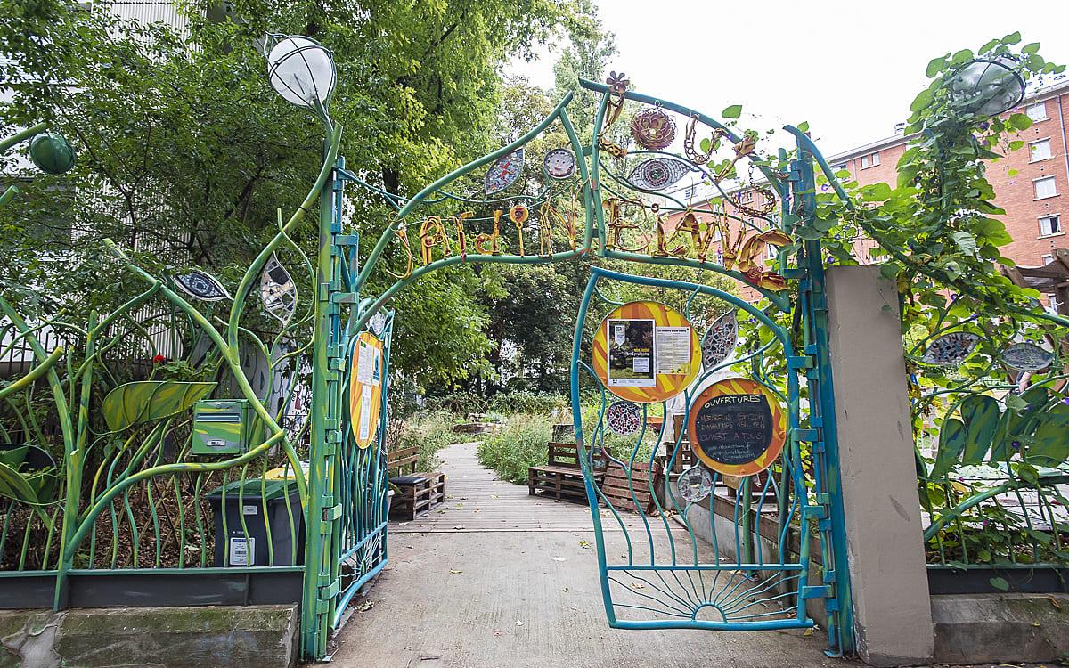 Atelier compost au Jardin  Louis Blanc Les Petits poètes Paris